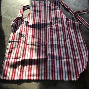 William sonoma childrens apron (new)